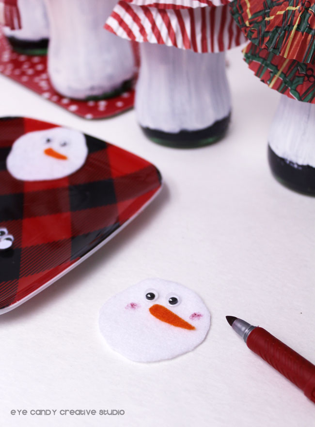 creating snowman face for coca cola snowman bottle craft, dy craft