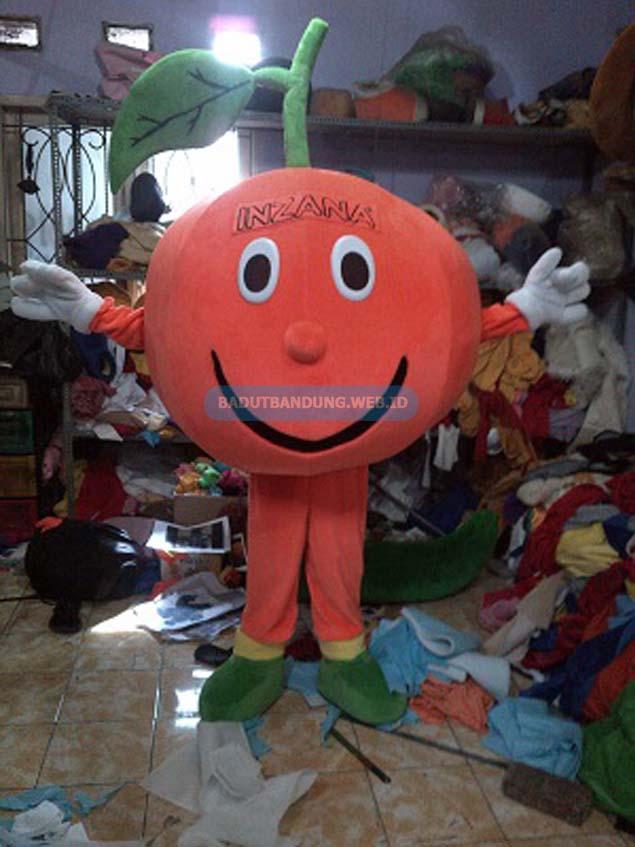 Photo badut jeruk maskot obat penurun panas inzana