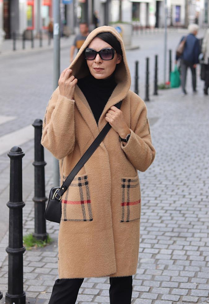 płaszcz damski z kapturem stylizacje