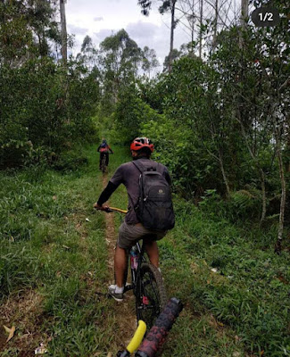 Bersepeda si gunung