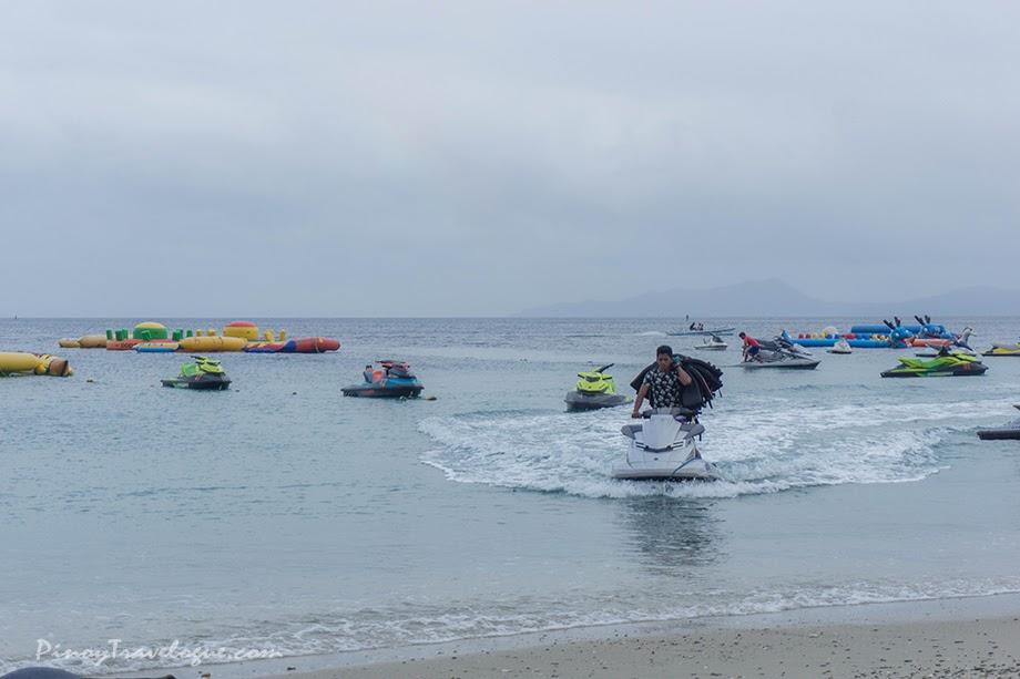 Water activities in White Beach