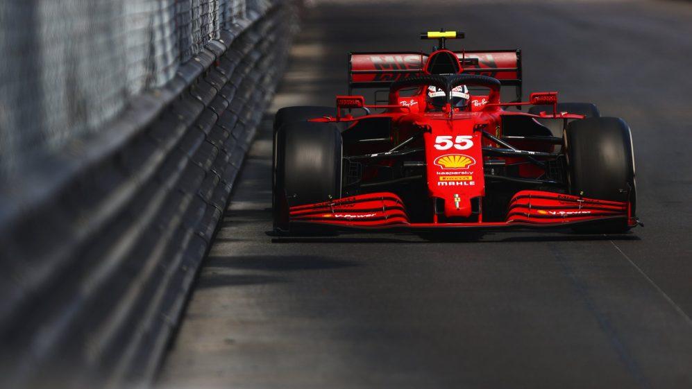 Ferrari espera ficar atrás da McLaren em Baku, já que Mekies prevê uma sequência complicada de corridas