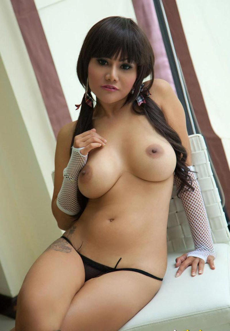 Hot nudes in thailand 10