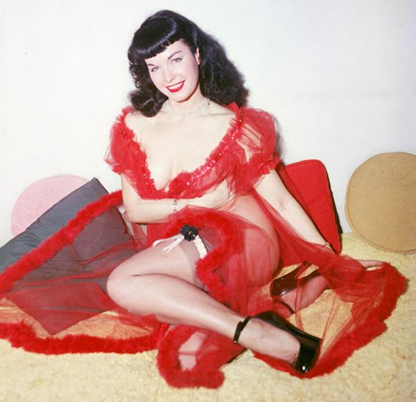 bettie-page-red-peignoir
