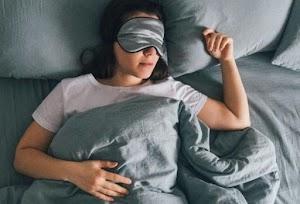 Tips Makanan Bantu Banget Buat Tidur Nyenyak, Yuk Simak!