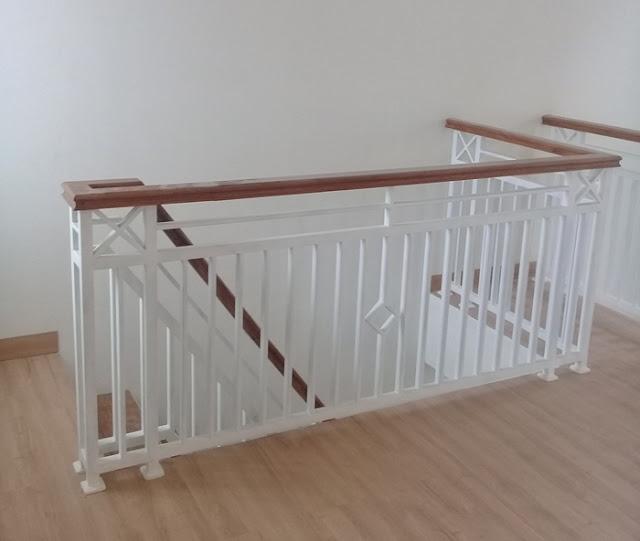 railling-tangga-besi-minimalis-kayu