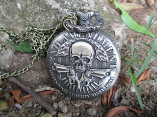 Jam Saku Antik Steampunk 2nd Amandement Skeleton Guns With Necklace Chain P987