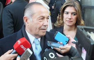 Adolfo Rodríguez Saa casado con una mujer vinculada en mendoza a estafas