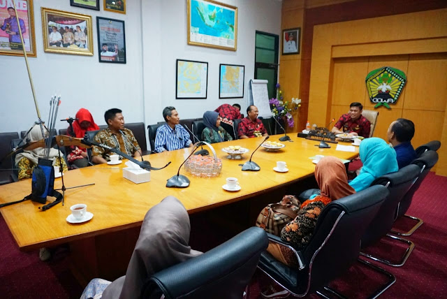 Bupati Gowa, Adnan Purichta Ichsan menerima pengurus Perpani Gowa di Ruang Rapat Bupati Gowa, Kamis, 23 Agustus 2018. www.masmedia.xyz
