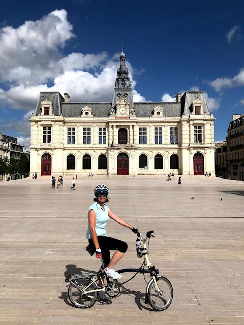 French Village Diaries Poitiers, terre de vélo