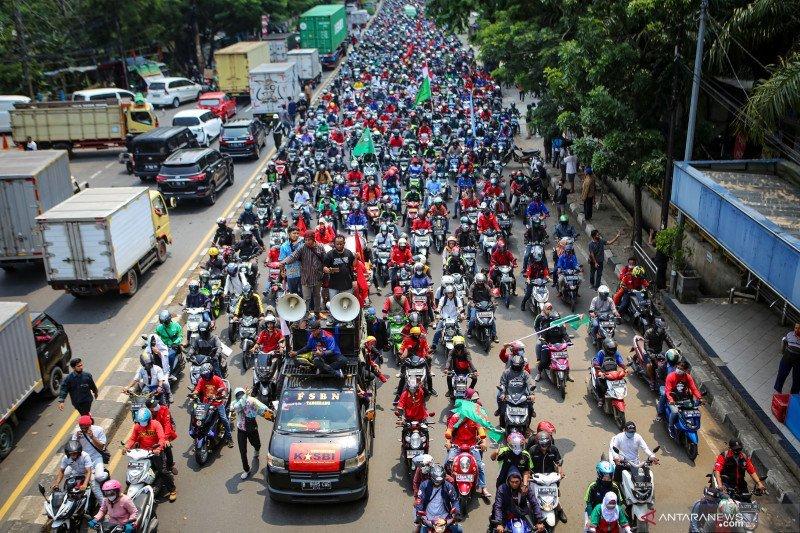 Tolak Omnibus Law, Serikat Buruh Siap Gelar Unjuk Rasa di 1000 Pabrik