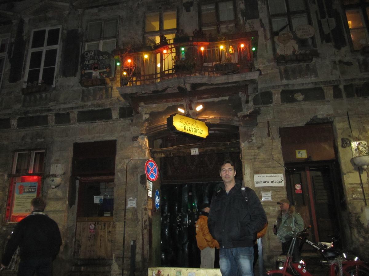 Zsimpla bar, bares ruinas de Budapest, baretos
