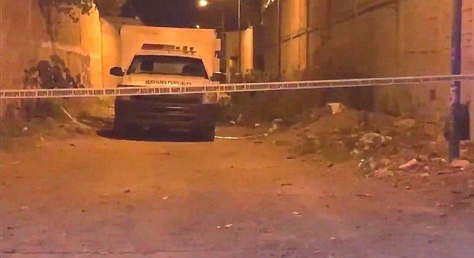 Policías localizan un cadáver desmembrado y embolsado en Celaya, Guanajuato