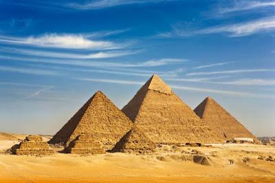 Gambar pemandangan terindah di dunia - Piramida