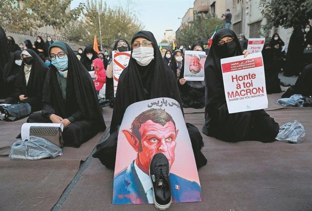 Γιατί ο Ταγίπ Ερντογάν στήνει τώρα και θρησκευτικό πόλεμο