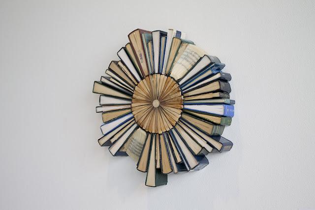 wb 9 - 10 Imagens da fantástica arte com livros de Jonathan Whitfill