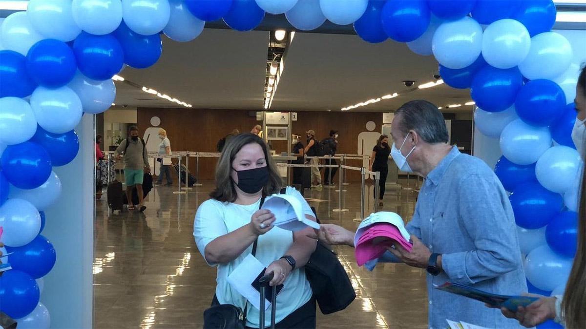 UNITED AIRLINES CONECTIVIDAD INTERNACIONAL ACAPULCO HOUSTON 02