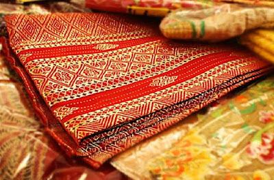 Contoh seni kriya tekstil