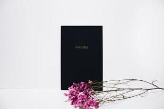 flower-near-black-book