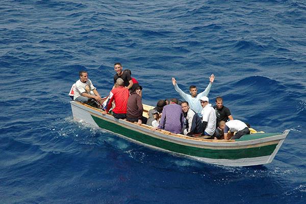 بينهم رضيع و6 أطفال : إنقاذ 74 مهاجرا في سواحل الشابة