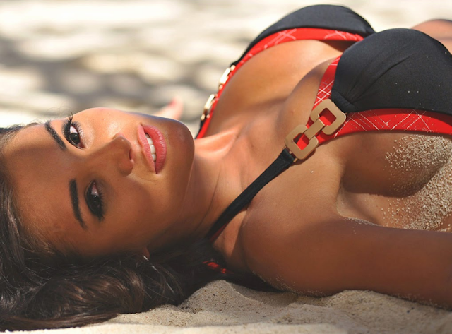 amy jackson bikini images