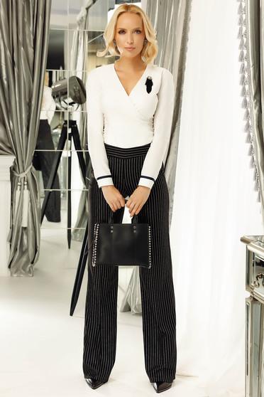 Pantaloni dama negri office cu talie medie evazati din stofa usor elastica cu buzunare