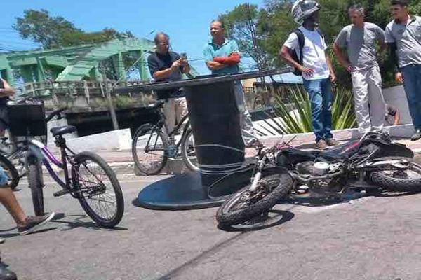 Motociclista morto após ser atingido por bobina era professor de História e seguia para escola em Vila Velha