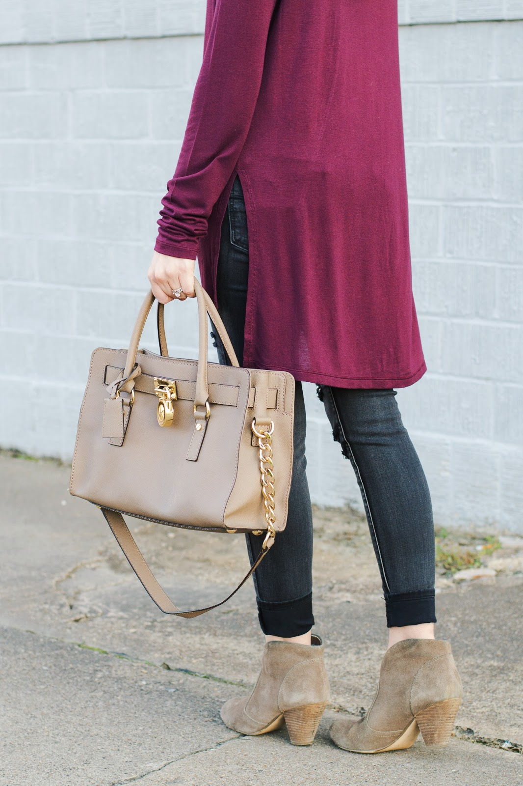 Side slit, lightweight basic tee perfect for fall