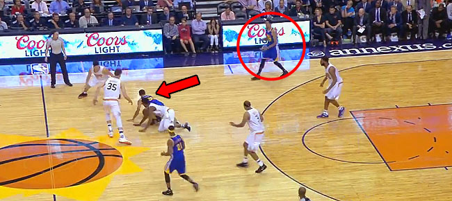 Shaun Livingston Gets the Unintentional 3-Pointer to Fall (VIDEO)