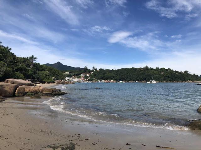 Caminho para Praia de Fora