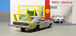 M2 Auto-Drivers Good Year 1969 Dodge Charger Daytona HEMI