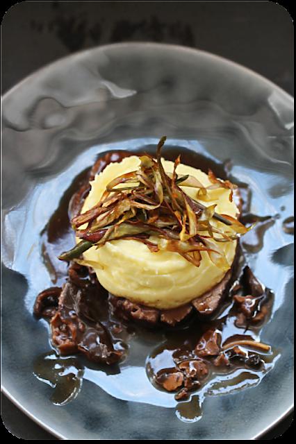 Kartoffelpüree nach Frédy Girardet mit Artischocke, Lammkeule, Steinpilz-Sauce