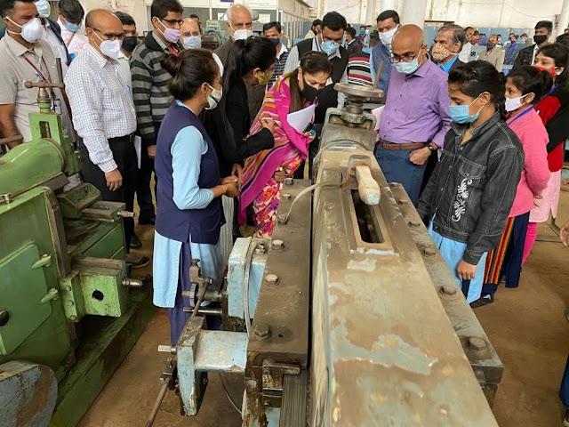 तकनीकी शिक्षा व कौशल विकास मंत्री श्रीमती यशोधरा राजे ने किया तकनीकी संस्थाओं का निरीक्षण