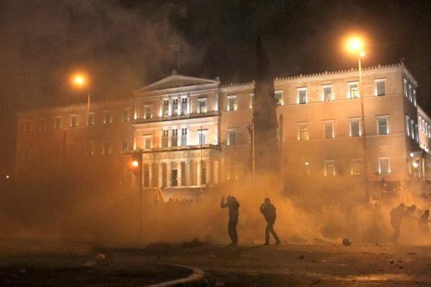 Το πολιτικό σκηνικό μετά τις συλλήψεις της ηγεσίας της ΧΑ