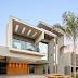 Fachada de casa contemporânea com recortes valorizados pelo efeito luminotécnico!