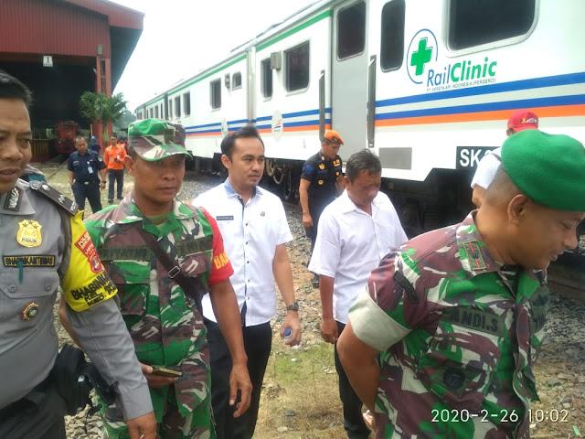 Peduli Sesama PT KAI Divre IV Tanjung Karang Gelar Pengobatan Gratis Menggunakan Rail Clinic