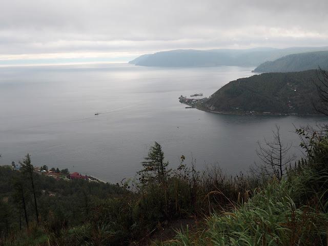 Смотровая площадка камень Черского - вид на Байкал и исток Ангары