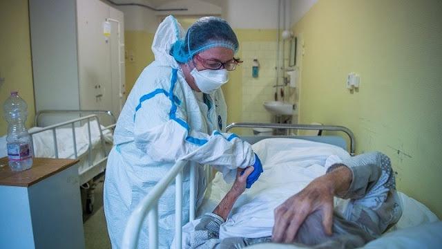 Δραματική η κατάσταση στα νοσοκομεία – Προς επιστράτευση ιδιωτών γιατρών η κυβέρνηση