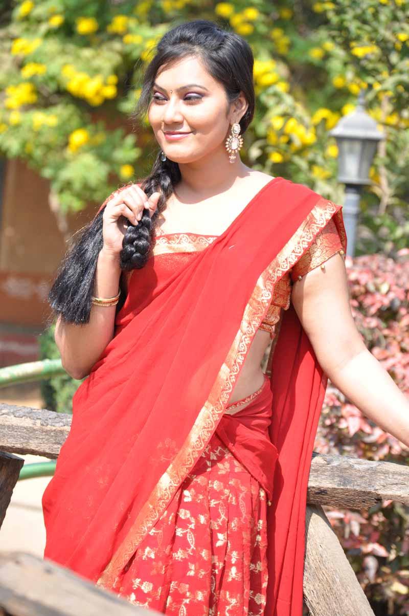tamil heroine samasthi hot photo shoot stills tamil