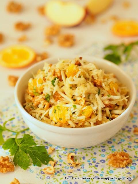 surowka selerowa, seler, warzywa, salatka warzywno owocowa, z pomarancza, z orzechami, orzechy wloskie, dodatek do obiadu, obiad, witaminy, bomba witaminowa, samo zdrowie, zdrowe jedzenie