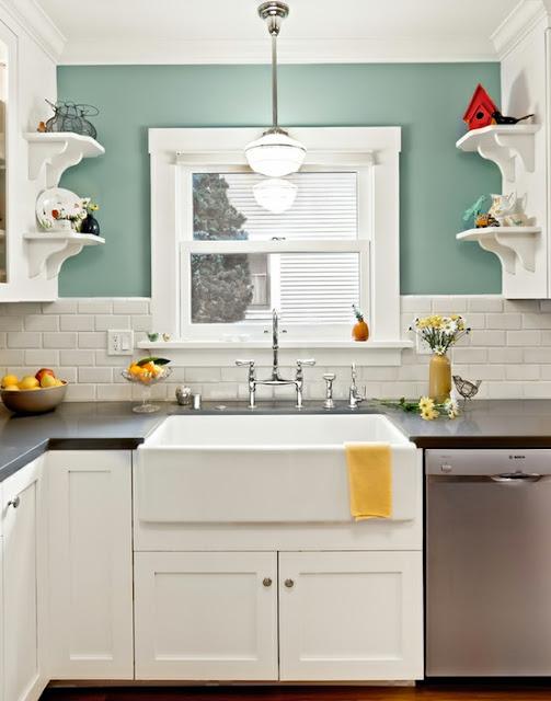 Kitchen Sponge Has Grey Color