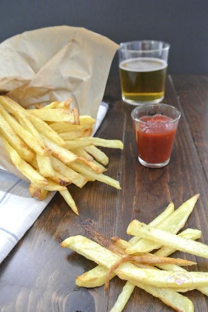 patatas fritas horno con salsa