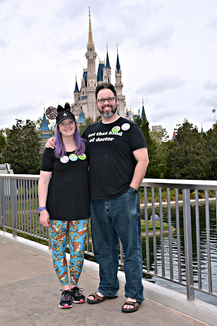 Celebrating my Birthday at the Magic Kingdom - Couple next to Cinderella's Castle