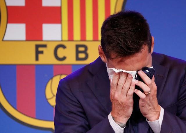 Lionel Messi bật khóc trong buổi họp báo, chính thức nói lời chia tay Barcelona