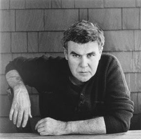Raymond Carver.  Source: http://upload.wikimedia.org/wikipedia/commons/c/cc/Raymond_Carver.jpg