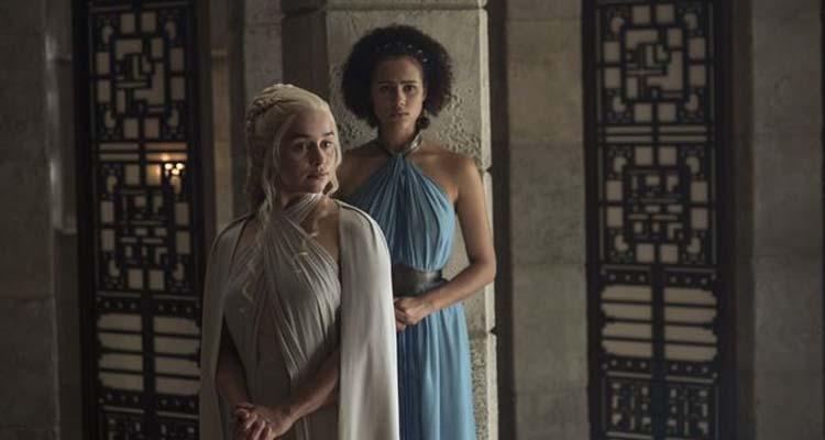 Daenerys y su interprete Missandei