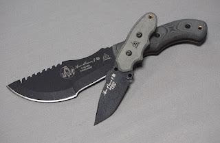ソロキャンプ ナイフ