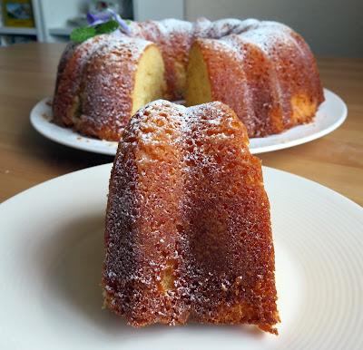 Italian Lemon Cream Cake