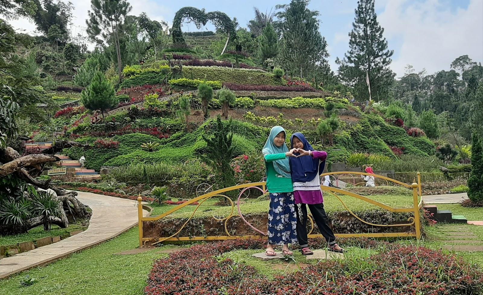 kebun bunga jambe kembar