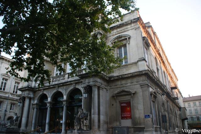 Il Teatro di Avignone nella Place de l'Horloge
